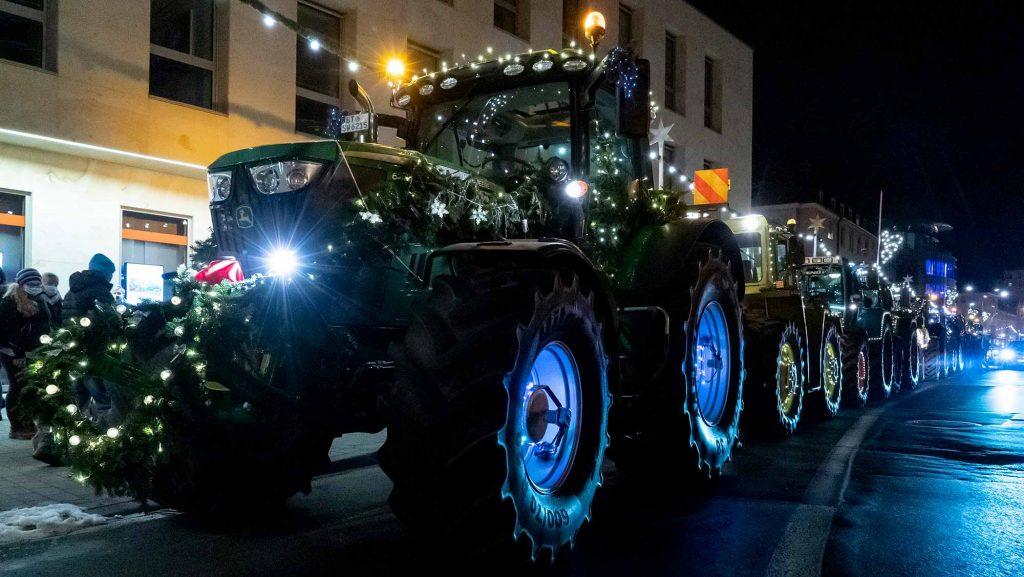 Weihnachtliche Traktoren
